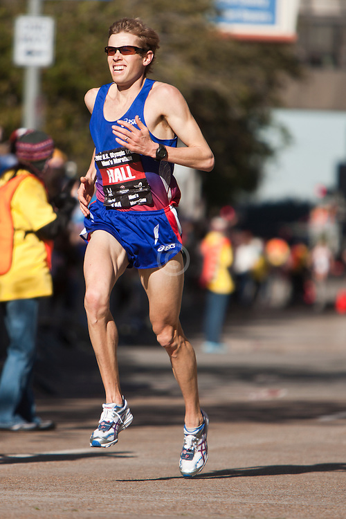 Ryan Hall with quarter mile to go in men's marathon, finishes 2nd