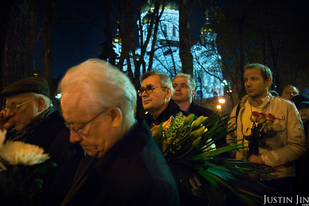 Thousands of Russian citizens wait in line to file past the body of former President Boris Yeltsin which lays in the Cathedral of Christ the Savior in Moscow, one day after his death from a heart failure. He was 76.