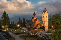 Die Stabkirche Wang ist eine mittelalterliche norwegische Stabholzkirche, die 1841 vom preußischen König Friedrich Wilhelm IV. erworben und in Krummhübel im Riesengebirge wieder aufgebaut wurde.