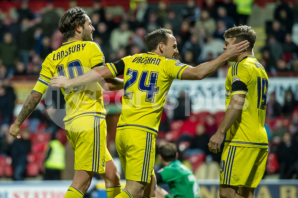 Henri Lansbury of Nottingham Forest celebrates the equiliser during the Sky Bet Championship match between Brentford and Nottingham Forest at Griffin Park, London, England on 21 November 2015. Photo by Salvio Calabrese.