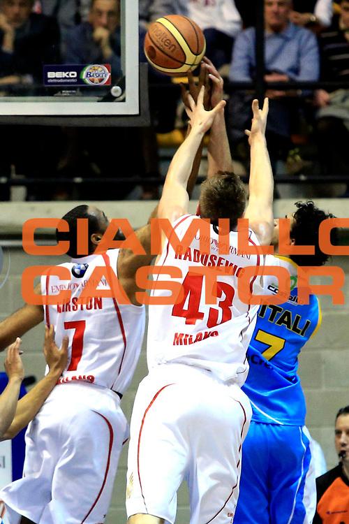 DESCRIZIONE : Milano Lega A 2012-2013 EA7 Emporio Armani Milano Vanoli Cremona<br /> GIOCATORE : Malik Hairston<br /> CATEGORIA : controcampo rimbalzo<br /> SQUADRA : EA7 Emporio Armani Milano<br /> EVENTO : Campionato Lega A 2012-2013 <br /> GARA : EA7 Emporio Armani Milano Vanoli Cremona<br /> DATA : 16/03/2013<br /> SPORT : Pallacanestro <br /> AUTORE : Agenzia Ciamillo-Castoria/I.Mancini<br /> Galleria : Lega Basket A 2012-2013  <br /> Fotonotizia : Milano Lega A 2012-2013 EA7 Emporio Armani Milano Vanoli Cremona<br /> Predefinita :