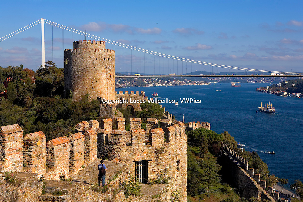 Rumeli Hisari fortress and Fatih Sultan Mehmet Bridge, Bosphorus Strait, Istanbul, Turkey