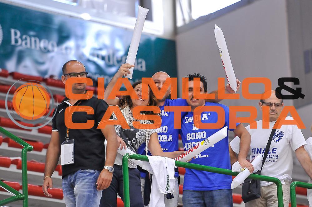 DESCRIZIONE : Campionato 2014/15 Serie A Beko Dinamo Banco di Sardegna Sassari - Grissin Bon Reggio Emilia Finale Playoff Gara3<br /> GIOCATORE : Tifosi Pubblico Spettatori<br /> CATEGORIA : Tifosi Pubblico Spettatori<br /> SQUADRA : Dinamo Banco di Sardegna Sassari<br /> EVENTO : LegaBasket Serie A Beko 2014/2015<br /> GARA : Dinamo Banco di Sardegna Sassari - Grissin Bon Reggio Emilia Finale Playoff Gara3<br /> DATA : 18/06/2015<br /> SPORT : Pallacanestro <br /> AUTORE : Agenzia Ciamillo-Castoria/L.Canu