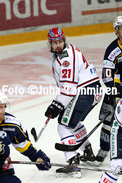 14.4.2011, Barona Areena, Tapiola, Espoo..J??kiekon SM-liiga 2010-11, play-offs: 2. loppuottelu Blues - HIFK. .Jerry Ahtola - HIFK.©Juha Tamminen.