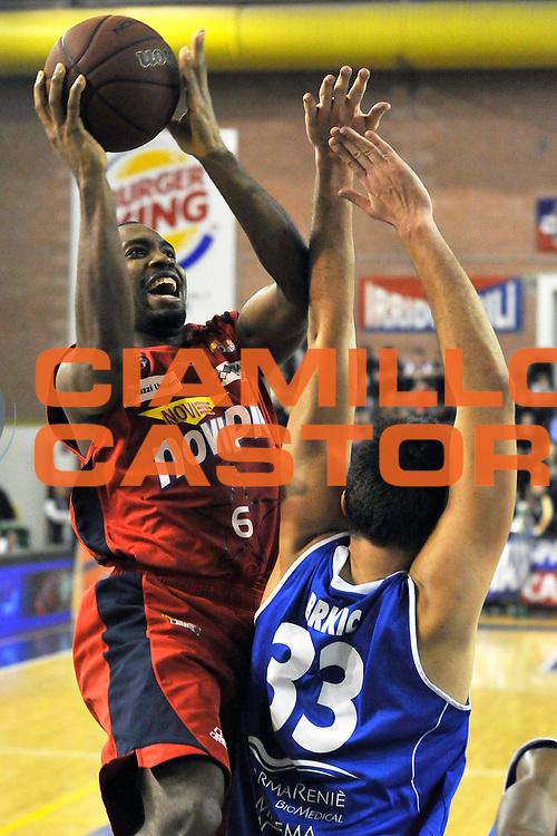 DESCRIZIONE : Casale Monferrato Campionato Lega Basket A2 2012-13<br /> Novipiu Casale Monferrato Vs Centrale del latte Brescia<br /> GIOCATORE : Rodney Green<br /> SQUADRA : Novipiu Casale Monferrato<br /> EVENTO : Campionato Lega Basket A2 2012-2013<br /> GARA : Novipiu Casale Monferrato Vs Centrale del latte Brescia<br /> DATA : 17/02/2013<br /> CATEGORIA : Tiro<br /> SPORT : Pallacanestro <br /> AUTORE : Agenzia Ciamillo-Castoria/G.Gentile<br /> Galleria : Lega Basket A2 2012-2013 <br /> Fotonotizia : Casale Monferrato Campionato Lega Basket A2 2012-13 Novipiu Casale Monferrato Vs Centrale del latte Brescia<br /> Predefinita :