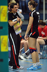 09.10.2010, Halle Berg Fidel, Muenster, GER, Vorbereitung Volleyball WM Frauen 2010, Laenderspiel Deutschland ( GER ) vs. Tuerkei ( TUR ), im Bild Giovanni Guidetti (Headcoach GER) - Denise Hanke (#3 GER). EXPA Pictures © 2010, PhotoCredit: EXPA/ nph/   Conny Kurth+++++ ATTENTION - OUT OF GER +++++