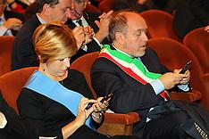 20121031 MARCELLA ZAPPATERRA E TIZIANO TAGLIANI COL CELLULARE