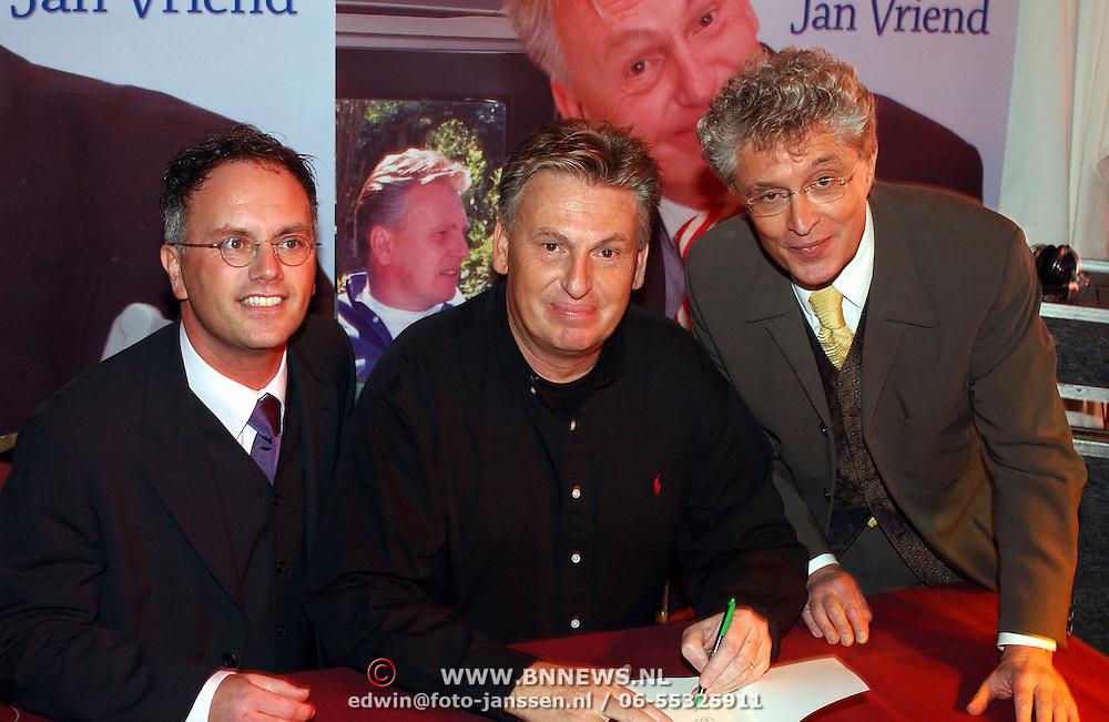 Boekpresentatie Henny Huisman AZ Stadion, en Jan vriend, Jacques d'Ancona