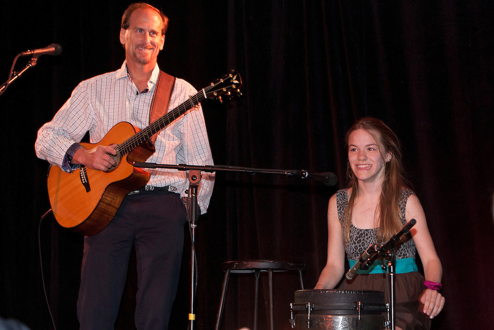 Rich Ganson and Danielle Coulter perform.