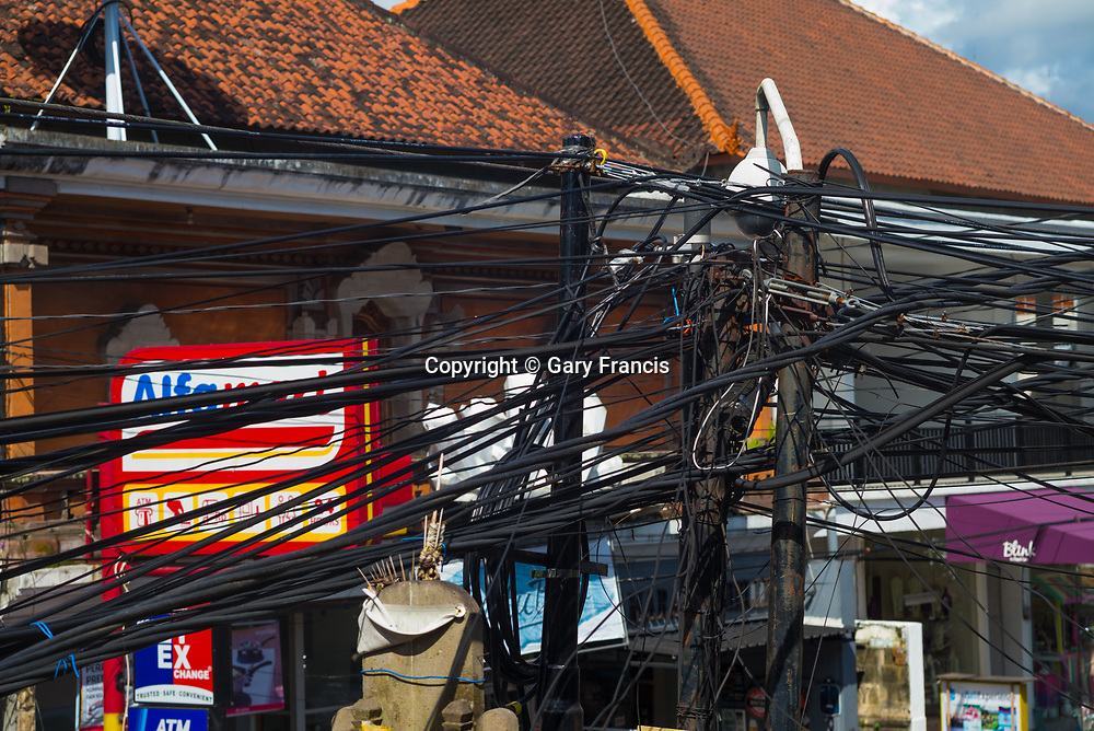 The mangled wires of power and telecommunication - Bali revisited February 2017