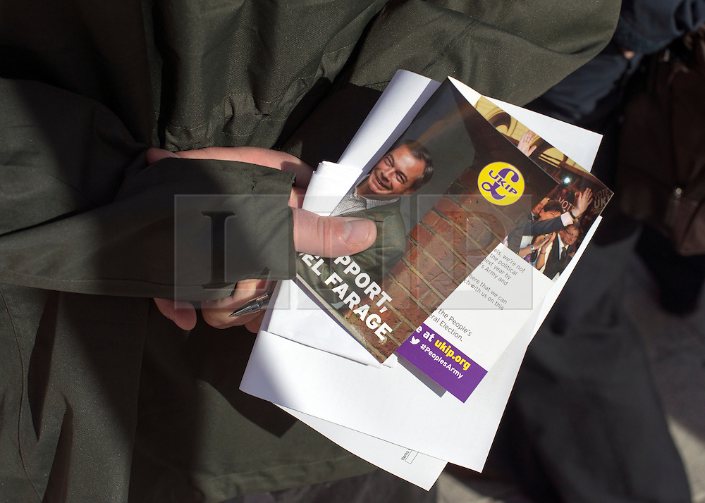© Licensed to London News Pictures. 29/08/2014. Clacton-on-Sea, UK Douglas Carswell and Nigel Farage, Leader of the UK Independence Party, UKIP, meet local people on a walk about in Clacton-on-Sea today 29th August 2014. Tory Douglas Carswell  defected to UKIP and quit as MP for Clacton, saying he will contest the subsequent by-election for Nigel Farage's party.. Photo credit : Stephen Simpson/LNP