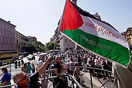 Roma 18 Maggio 2015<br /> Festa delle delegazioni di fedeli provenienti dalla Palestina, Giordania  e Libano alla Basilica di Santa Maria Maggiore, per la canonizzazione  delle prime due sante palestinesi. Sulla Bandiera palestinese si legge :Terra di Gesù<br /> Rome 18th May 2015<br /> Feast of the delegations of faithful from Palestine, Jordan and Lebanon to the Basilica of Santa Maria Maggiore, for the canonization of the first two holy Palestinians. On the Palestinian flag reads: Land of Jesus.