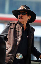 April 13, 2018 - Bristol, TN, U.S. - BRISTOL, TN - APRIL 13:  7 time Cup champion Richard Petty during practice for the 58th annual Food City 500 on April 13, 2018 at Bristol Motor Speedway in Bristol, Tennessee (Photo by Jeff Robinson/Icon Sportswire) (Credit Image: © Jeff Robinson/Icon SMI via ZUMA Press)