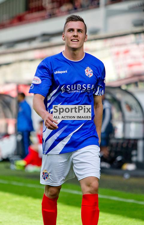 Dunfermline Athletic v Cowdenbeath SPFL League One Season 2015/16 East End Park 15 August 2015<br /> Craig Johnstone is sent off<br /> CRAIG BROWN | sportPix.org.uk