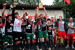 Lance da partida entre as equipes Guarani x Sapiranga valida pela Copa Coca-Cola no Parque Florestal em Novo Hamburgo, neste sabado 08/10/2011, em Porto Alegre. FOTO: Marcelo Campos/Preview.com
