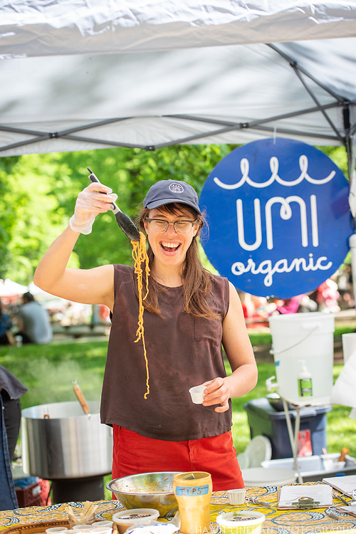 Lola Milholland serves her Umi Noodles at the PSU Farmers Market