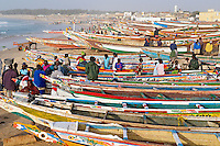 Senegal, Port de Peche de kayar, le plus grand port de peche du Senegal. // Senegal. Kayar fish harbour. Biggest fish harbour in Senegal
