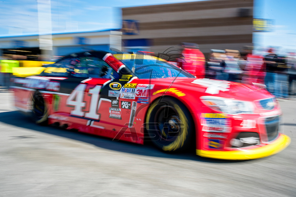 Kansas City, KS - Oct 17, 2015:  The NASCAR Sprint Cup Series team of Kurt Busch (41) takes to the track in the Haas Automation Chevy for the Hollywood Casino 400 at Kansas Speedway in Kansas City, KS.