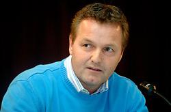 08-03-2006 WIELRENNEN: TEAMPRESENTATIE AA CYCLINGTEAM: ALPHEN AAN DE RIJN<br /> Tjerk Bogtstra <br /> Copyrights: WWW.FOTOHOOGENDOORN.NL