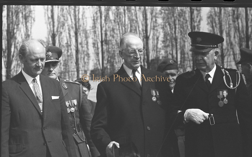 DeValera 1916 Arbour Hill Commemoration.<br /> 1971. <br /> 05.05.1971.<br /> 5th May 1971.<br /> President Eamon DeValera and members of the government attended the annual commemoration at Arbour Hill where wreaths were laid.