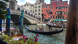 Gondola at the Ponte di Rialto, Venice, Italy.<br />