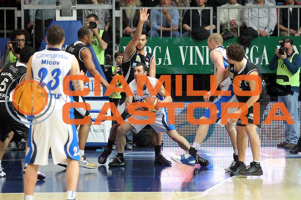 DESCRIZIONE : Cantu Lega A 2009-10 NGC Medical Cantu Carife Ferrara<br /> GIOCATORE : Nicolas Mazzarino<br /> SQUADRA : NGC Medical Cantu<br /> EVENTO : Campionato Lega A 2009-2010 <br /> GARA : NGC Medical Cantu Carife Ferrara<br /> DATA : 18/04/2010<br /> CATEGORIA : Palleggio<br /> SPORT : Pallacanestro <br /> AUTORE : Agenzia Ciamillo-Castoria/G.Cottini<br /> Galleria : Lega Basket A 2009-2010 <br /> Fotonotizia : Cantu Campionato Italiano Lega A 2009-2010 NGC Medical Cantu Carife Ferrara<br /> Predefinita :
