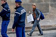 AMSTERDAM - <br /> Maxima kamernierster Jolanda ten Brinke met natan kleding  en kapster Martina  komen aan bij het paleis  op de dam ROBIN UTRECHT