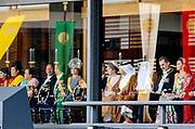 De Japanse keizer Naruhito heeft officieel de troon aanvaard en de belofte afgelegd dat hij zijn plicht als symbool van de staat zal vervullen. De 59-jarige Naruhito deed dat in een eeuwenoude ceremonie in de belangrijkste zaal van het keizerlijke paleis in Tokio in aanwezigheid van staatshoofden en gasten uit meer dan 180 landen.<br /> <br /> The Japanese emperor Naruhito has officially accepted the throne and made the promise that he will fulfill his duty as a symbol of the state. The 59-year-old Naruhito did that in an ancient ceremony in the main hall of the Imperial Palace in Tokyo in the presence of heads of state and guests from more than 180 countries.<br /> <br /> <br /> Op de foto / On the photo: Queen Maxima, King Filip , King Felipe ,  Queen Letizia
