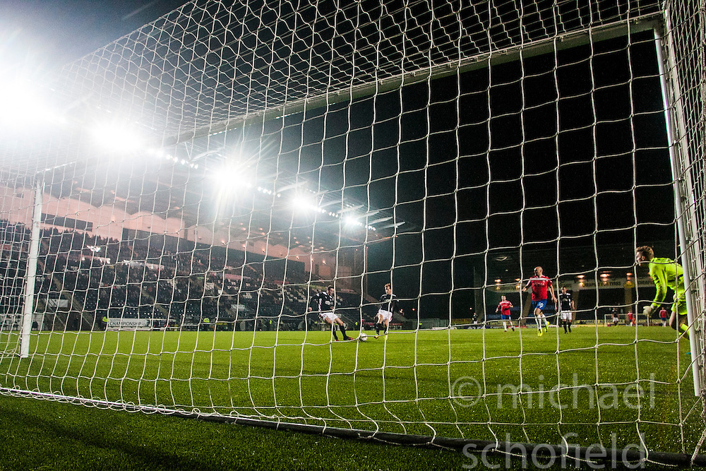 Falkirk's David Smith misses an empty goal. <br /> Falkirk 1 v 0 Cowdenbeath, William Hill Scottish Cup game played 29/11/2014 at The Falkirk Stadium.