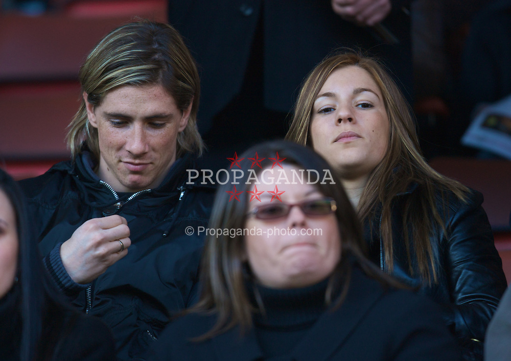 LIVERPOOL, ENGLAND - Saturday, February 16, 2008: Fernando Torres and his girlfriend Olalla during the FA Cup 5th Round match at Anfield. (Photo by David Rawcliffe/Propaganda)