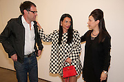 DEXTER DALWOOD; MARY BOONE; MAUREEN PALEY, David Salle private view at the Maureen Paley Gallery. 21 Herlad St. London. E2. <br /> <br />  , -DO NOT ARCHIVE-© Copyright Photograph by Dafydd Jones. 248 Clapham Rd. London SW9 0PZ. Tel 0207 820 0771. www.dafjones.com.