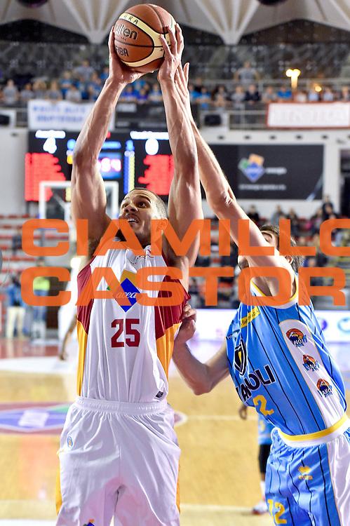 DESCRIZIONE : Roma Lega A 2014-15 Acea Roma vs Vanoli Basket Cremona<br /> GIOCATORE : Morgan Jordan<br /> CATEGORIA : Tiro<br /> SQUADRA : Acea Roma<br /> EVENTO : Campionato Lega A 2014-2015 GARA : Acea Roma vs Vanoli Basket Cremona<br /> DATA : 07/12/2014 <br /> SPORT : Pallacanestro <br /> AUTORE : Agenzia Ciamillo-Castoria/GiulioCiamillo <br /> Galleria : Lega Basket A 2014-2015 <br /> Fotonotizia : Acea Roma Lega A 2014-15 Acea Roma vs Vanoli Basket Cremona<br /> Predefinita :