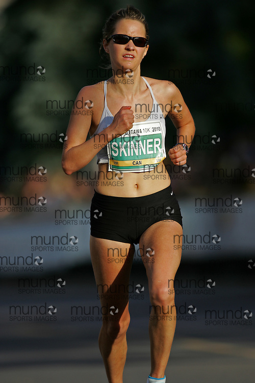 (Ottawa, ON --- May 29, 2010) SHAUNA SKINNER running in the 10km race during the Ottawa Race Weekend. Photograph copyright Sean Burges / Mundo Sport Images