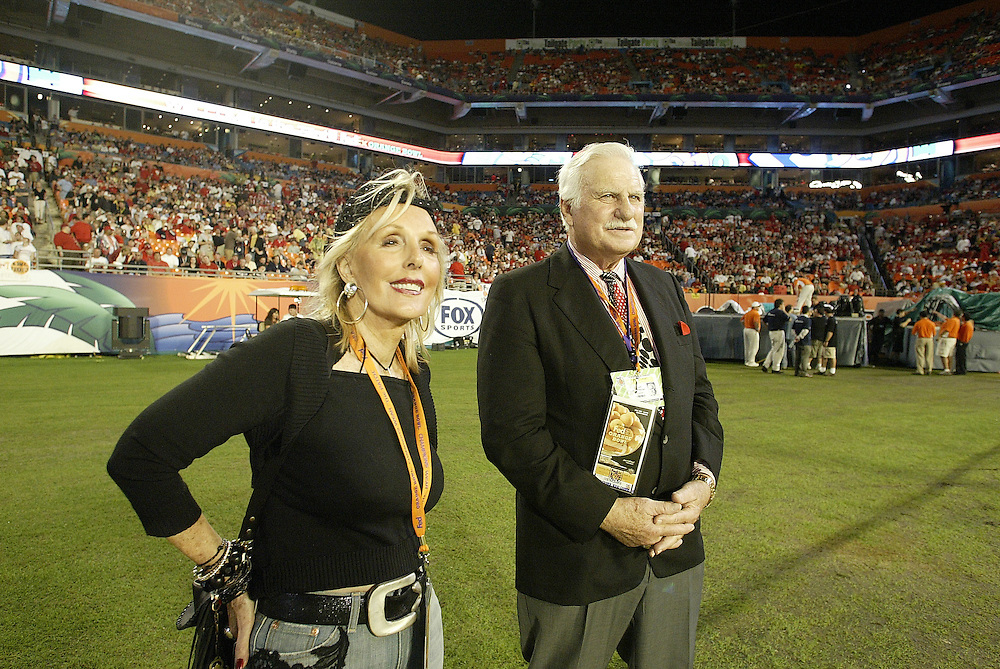 Former University of Louisville head coach Howard Schnellenberger and wife Beverlee watch from the sidelines before the Louisville Cardinals 24-13 victory over the Wake Forest Demon Deacons at the 2007 Orange Bowl Game on January 2, 2007 at the Dolphin Stadium in Miami, Florida.