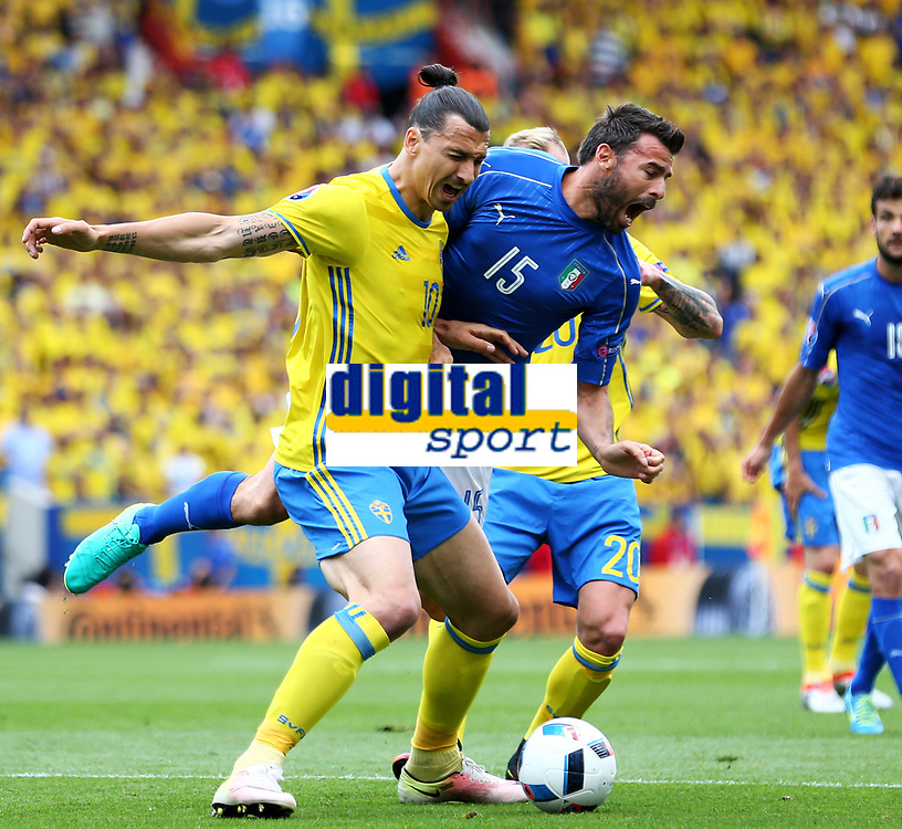 Zlatan Ibrahimovic Swede, Andrea Barzagli Italy. Ibrahimovic protests for a penalty <br /> Toulouse 17-06-2016 Stade de Toulouse <br /> Football Euro2016 Italy - Sweden / Italia - Svezia Group Stage Group E<br /> Foto Matteo Ciambelli / Insidefoto
