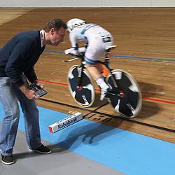 Nederlands Kampioenschap Achtervolging vrouwen Apeldoorn Amy Pieters wordt gecoached door vader Peter Pieters
