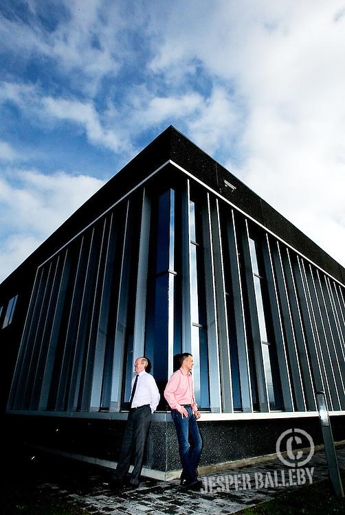 DCC Dansk Computer Center A/S Hinnerup ved Aarhus.Direktor Kent H. Jeppesen og Managing Director Johannes F. Bach..Foto Balleby