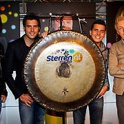 NLD/Hilversum/20100402 - Start Sterren.nl radiostation, Nick & Simon openen tesamen met Jan Smit en Andre van Duin het radiostation