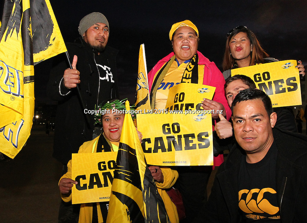 Fans arrive for the match during the Super Rugby Final, Hurricanes v Highlanders. Westpac Stadium, Wellington, New Zealand. 4 July 2015. Copyright Photo.: Grant Down / www.photosport.nz