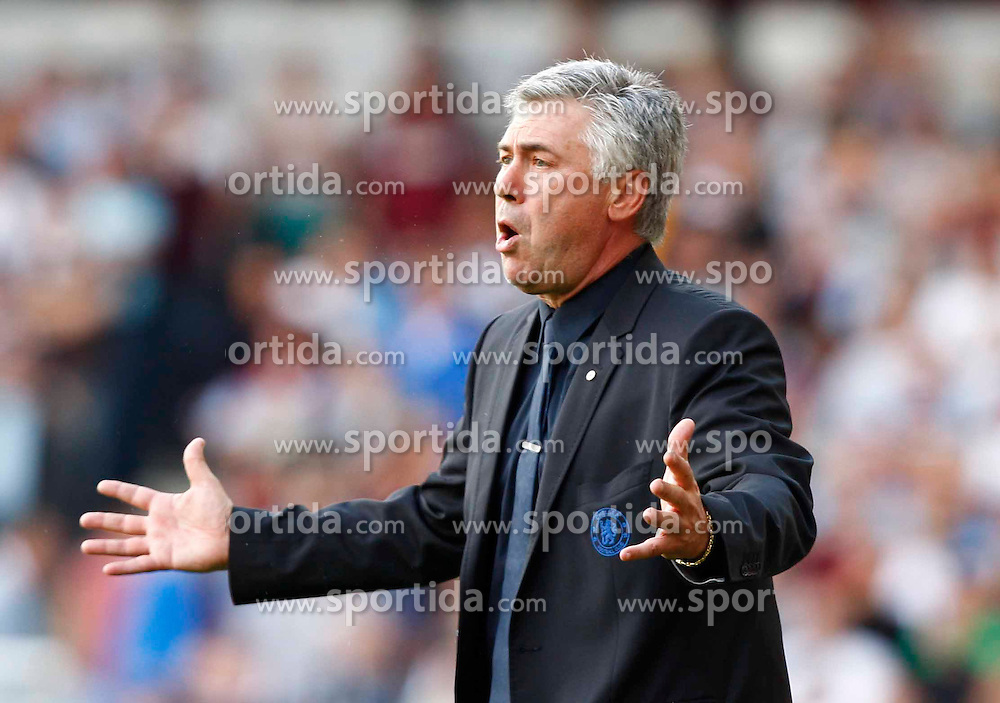 11.09.2010, Boleyn Ground Upton Park, London, ENG, PL, West Ham United vs FC Chelsea, im Bild Carlo Ancelotti First Team Coach. Barclays Premier League West Ham United v Chelsea. EXPA Pictures © 2010, PhotoCredit: EXPA/ IPS/ Kieran Galvin +++++ ATTENTION - OUT OF ENGLAND/UK +++++ / SPORTIDA PHOTO AGENCY