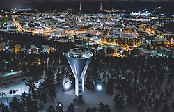 THEMENBILD - Blick auf die finnische Stadt Lahti mit den Lichtern der Stadt im Winter mit Schnee bedeckt, Sendetürme des Rundfunkmuseums und dem Wasser Turm, aufgenommen am 08. Februar 2019 in Lahti, Finnland // View of the Finnish city Lahti with the lights of the city in winter covered with snow, Broadcast towers of the Radio Museum and the Water Tower. Lahti, Finland on 2019/02/08. EXPA Pictures © 2019, PhotoCredit: EXPA/ JFK