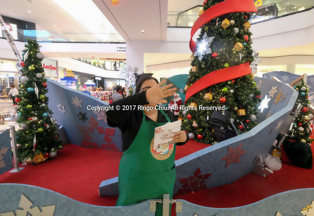 NO PHOTO AT THE SHOPPING MALL. Santa visits and photos at Glendale Galleria. These take place according to website at Lower Level, Macy's Court. (Photo by Ringo Chiu)<br /> <br /> Santa visits and photos at Glendale Galleria. (Photo by Ringo Chiu)<br /> <br /> Usage Notes: This content is intended for editorial use only. For other uses, additional clearances may be required.