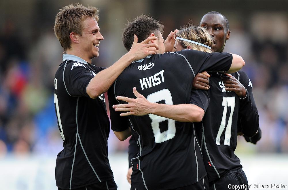 DK Caption:<br /> 20090524, Esbjerg, Danmark:<br /> SAS Liga fodbold Esbjerg - FC K&oslash;benhavn:<br /> C&eacute;sar Santin, FCK., Jesper Gr&oslash;nkj&aelig;r og William Kvist<br /> Foto: Lars M&oslash;ller<br /> UK Caption:<br /> 20090524, Esbjerg, Denmark:<br /> SAS Liga football Esbjerg - FC Copenhagen:<br /> C&eacute;sar Santin, FCK.<br /> Photo: Lars Moeller