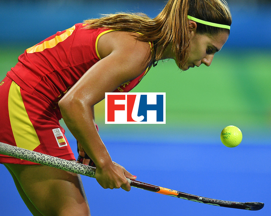 Spain's Gloria Comerma plays with a ball during the women's quarterfinal field hockey Britain vs Spain match of the Rio 2016 Olympics Games at the Olympic Hockey Centre in Rio de Janeiro on August 15, 2016. / AFP / Carl DE SOUZA        (Photo credit should read CARL DE SOUZA/AFP/Getty Images)