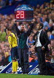 LONDON, ENGLAND - Wednesday, May 6, 2009: Barcelona's Pep Guardiola brings on substitute Bojan Krkiac against Chelsea during the UEFA Champions League Semi-Final 2nd Leg match at Stamford Bridge. (Photo by David Rawcliffe/Propaganda)