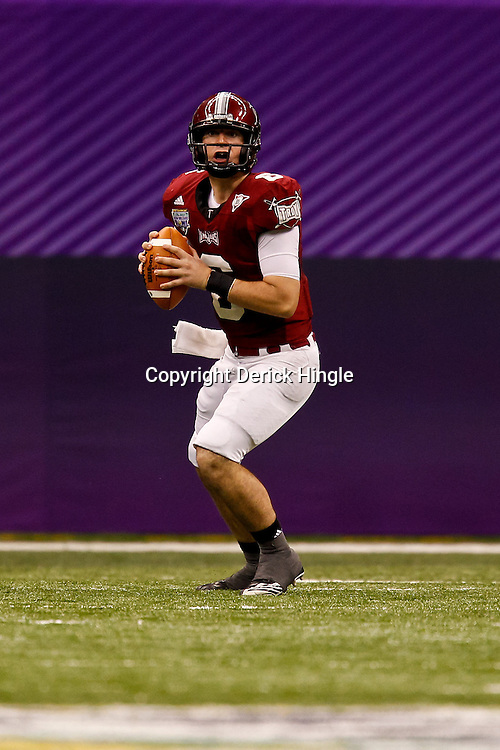December 18, 2010; New Orleans, LA, USA; Troy Trojans quarterback Corey Robinson (6) looks to pass against the Ohio Bobcats during the 2010 New Orleans Bowl at the Louisiana Superdome. Troy defeated Ohio 48-21. Mandatory Credit: Derick E. Hingle