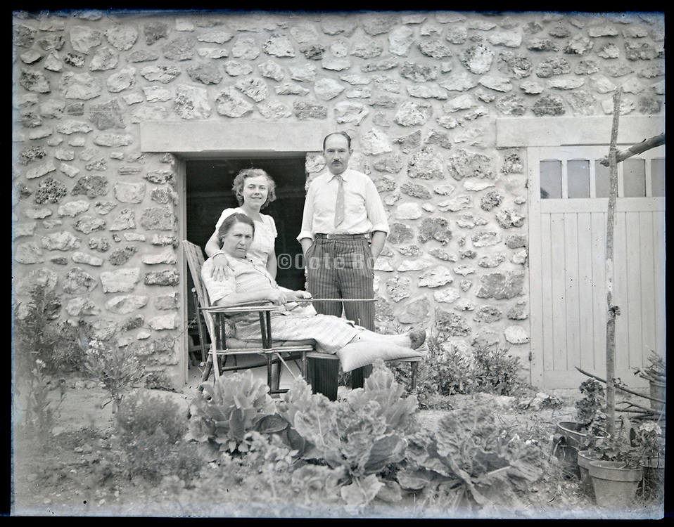 adult woman with elderly mother and father France circa 1930s