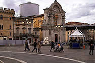 L'Aquila  20 Novembre 2010.Sos L'Aquila chiama Italia.La città  del L'Aquila  dopo 18 mesi dal terremoto..Piazza Duomo e Chiesa di Santa Maria del Suffragio.detta delle Anime Sante (1713),con la cupola del Valadier.Sos L'Aquila called  Italy.The city of L'Aquila 18 months after the earthquake.Santa Maria del Suffragio's church, wellknown as Purgatory Church or Saint Souls Church