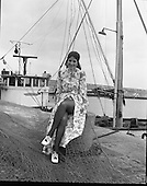 1971 - Miss World Fishing