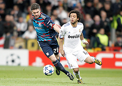 16.03.2011, Stadio Santiago di Bernabeu, Madrid, ESP, UEFA CL, Real Madrid vs Olympique de Lyon, im Bild Real Madrid's Marcelo against Olympique de Lyon's Jeremy Toulalan during Champions League match. March 16, 2011. . EXPA Pictures © 2011, PhotoCredit: EXPA/ Alterphotos/ Alvaro Hernandez +++++ ATTENTION - OUT OF SPAIN / ESP +++++